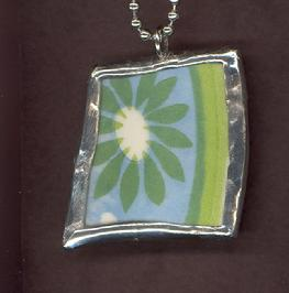 flower with stripe mod pendant